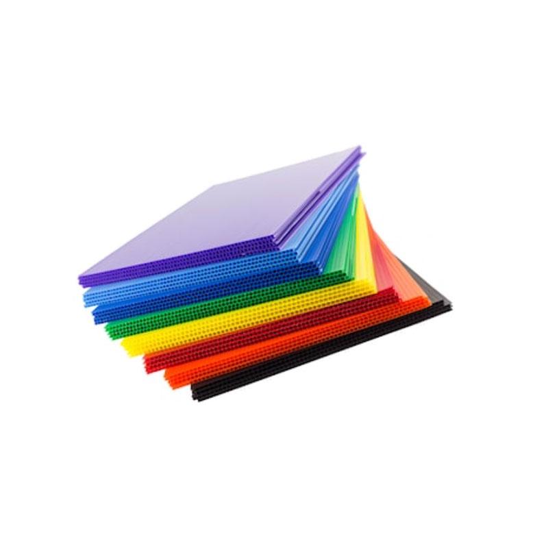 Profilprofilplatten aus Polypropylen-PP-Wellpappe Corflute Coroplast Board Doppelwandige Kunststoffplatten Polyflötenkern